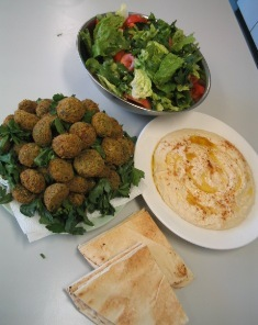 Hoummos, Falafel, Pita and Salad: